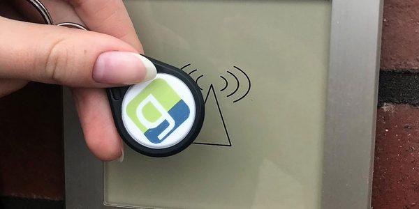 Zutrittskontrolle mit RFID Schlüsselanhänger